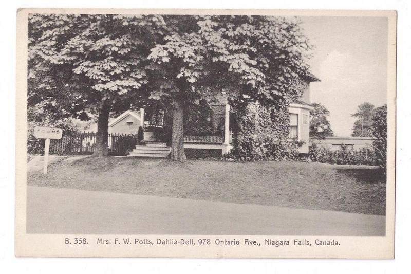 Lodge Hotel Mrs Potts Dahlia Dell Rooms Ontario Ave Niagara Falls Canada