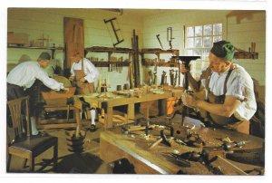 VA Williamsburg Virginia Craftsmen Anthony Hays Cabinetmaking Shop Vntg Postcard
