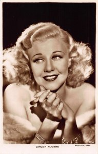 Ginger Rogers Radio Pictures Film Star Postcard