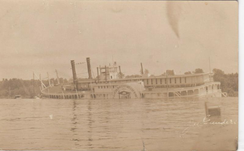 RP: WINONA , Minnesota , 1906 ; Side Paddle Steamer Shipwreck