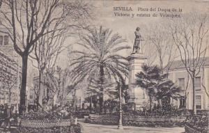Spain Sevilla Plaza del Duque de la Victoria estatue de Velazquez