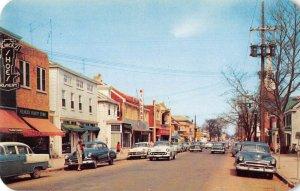 Newark Delaware Main Street Vintage Postcard AA37757