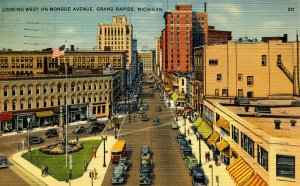 MI - Grand Rapids. Monroe Avenue Looking West