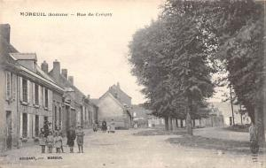 France Moreuil (Somme) - Rue de Crequy, Cafe, animee CPA