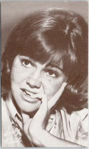 1960s Actress Mutoscope / Arcade Card SALLY FIELD Gidget Flying Nun Unused