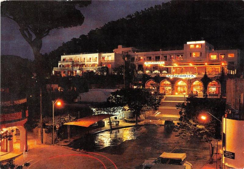 B84436 anacapri notturno della piazza monumento  italy