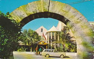 Bermuda Paget Parish Front Entrance Of Inverurie Hotel