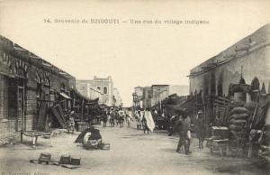 CPA Djibouti Afrique - Une rue du village indigéne (87044)