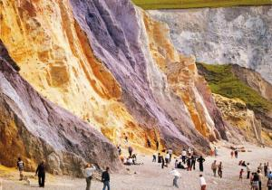 Isle of Wight Postcard, Coloured Sands at Alum Bay by J. Arthur Dixon Q8