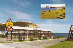 2-Views, Picnic Area, Les Trois Soeurs Motel, Facing Perce Rock, Perce, Quebe...