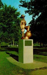 Wisconsin Lake Geneva Andy Gump Statue