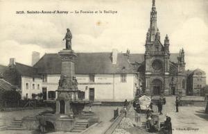 CPA La fontaine et la baslique (144765)