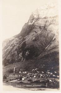 RP: FIELD , B.C. , Canada , 20-30s ; Mt Stephen