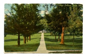 WI - Ripon. Ripon College, Walk in College Grounds