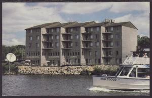 River Inn Hotel,Wisconsin Dells,WI Postcard BIN