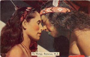 B91/ New Zealand Postcard c1910 Maori Te Hongi Kiss Noses Native Tribe 15