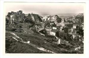 RP  LES BAUX-DE-PROVENCE (B.-du-R.) , La Ville vue du  Terras  du Chateau, 20...