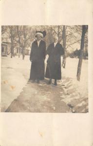 Clarkson? Nebraska Ladies Bundled Up~Edna in Big Hat~Snowy Homes~1912 RPPC