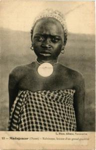 CPA Rabenono femme d'un grand guerrier MADAGASCAR (709454)