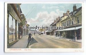 tq0250 - Hants - The High Street, Cyclists & Early Car, Christchurch - postcard