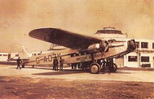 Nostalgia Postcard 1935 GATWICK AIRPORT British Airways FOKKER FXII Repro #N145