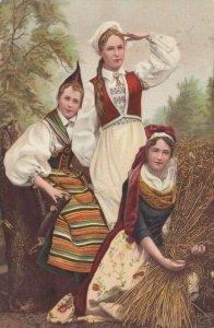 Norway , 1903 ; Three Native Girls
