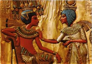 CPM EGYPTE Cairo Egyptian Museum. Scene on the back of King Tutankhamon (343943)