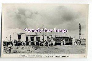 tq1996 - I.O.M. - Snaefell Summit Hotel, Tramcar, & Waiting Room - Postcard