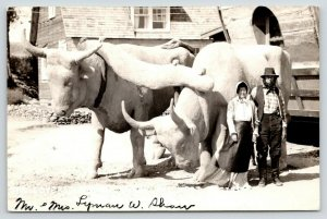 Kearney Nebraska~Mr & Mrs Lyman W Shaw @ Covered Wagon~1930s