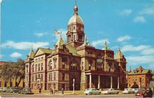 Waterloo Iowa Court House Vintage Postcard J52339
