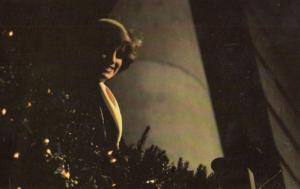 Princess Diana Turns On Christmas Lights In London in 1981 Royal Postcard
