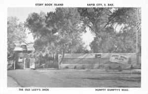 Rapid City SD~Story Book Island~Humpty Dumpty Wall~Old Lady Shoe~1950s B&W PC