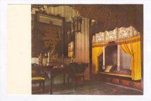 Summer Palace , Peking , China, 80-90s   Empress Dowager Ci Xi's bedchamber