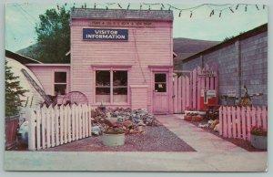 Okanogan Washington~Fran & Ollies Rock And Gem Shop~Tourist Info Stop~1960s