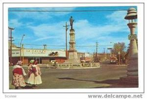 Street view, Monument, Chihuahua, Chih.,Mexico,50s