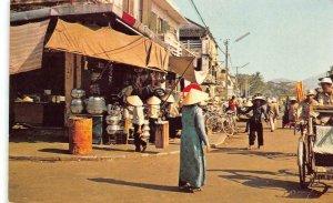 DA NANG Market Place VIETNAM Street Scene 1968 Vintage Postcard
