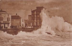 RP: Bognor Regis , Arun district , West Sussex , PU-1909 ; Giant Breakwater
