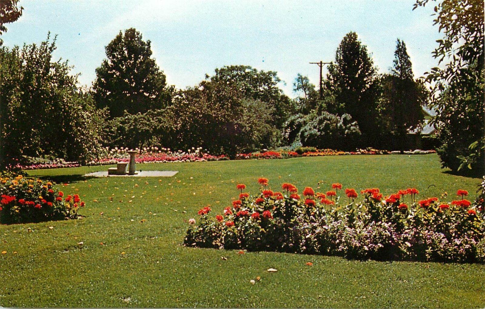 Hidden Lake Gardens Michigan State University Tipton floral scene ...