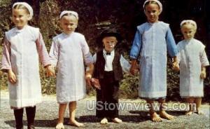 Amish Children in Sunday dress Lancaster PA Unused
