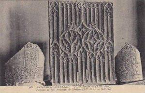 France Chartres La Cathedrale Mitre Porche sud