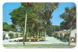 Holly Hill Court Motel FL Vintage Chrome Postcard 1956