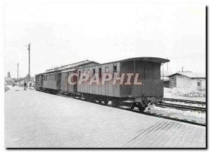 Postcard Modern Passenger train departing from Calais City