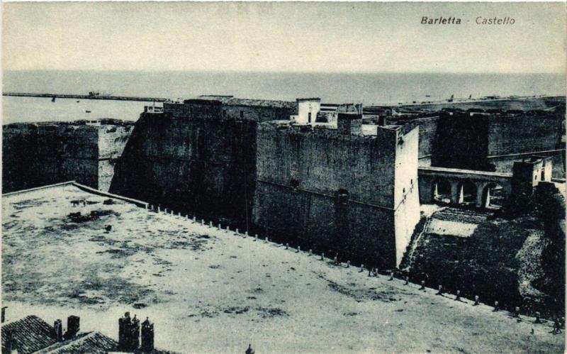 CPA AK BARLETTA Castello . ITALY (531763)