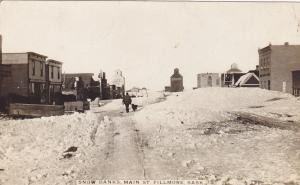 RP: Main Street [Winter] , FILLMORE , Saskatchewan, Canada, PU-1911 ; Snow banks
