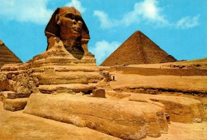 Egypt Giza The Great Shinx and Kheops Pyramid