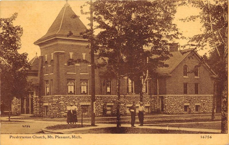 Mt Pleasant Michigan~Presbyterian Church~Victorian Ladies & Men in Front~1916 PC