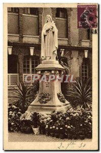 Old Postcard Statue of St. Therese of the Jesus & # 39Enfant in the Court & #...