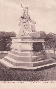 LONDON, England, 1900-1910s; Kensington Palace, Queen Victoria's Statue