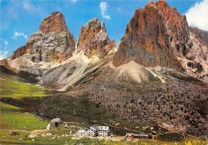 Italy Dolomiti Passo di Sella col Gruppo del Sassolungo