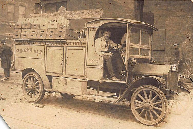 Chicago IL Manhattan Bottling Co. Delivery Truck RPPC Postcard